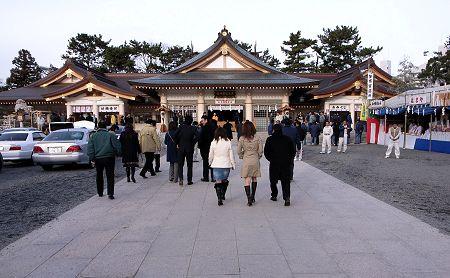 070105_gokokujinjya1